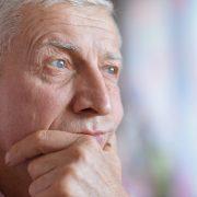 مراقبت از سلامت دهان و دندان افراد مسن